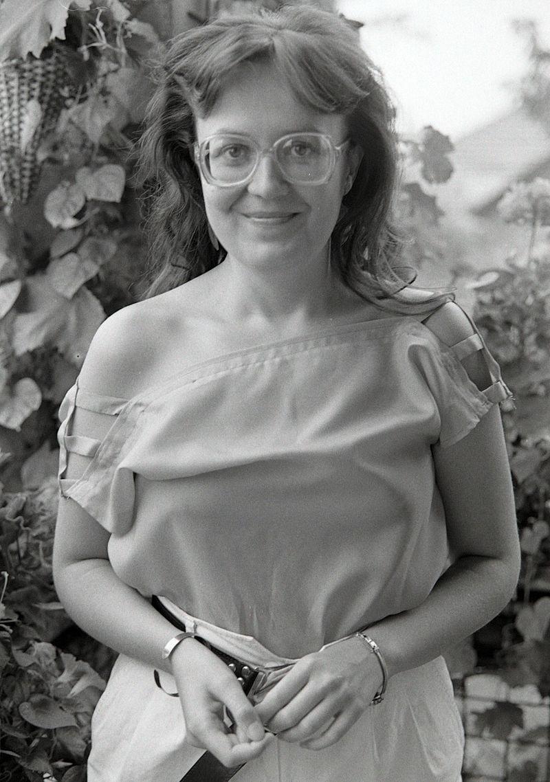 Imre Flóra portréja