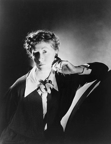 Moore, Marianne portréja