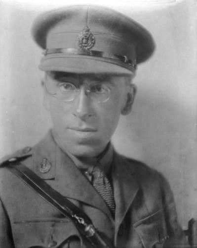Gibson, Wilfrid Wilson portréja
