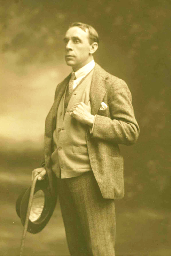 Hodgson, Ralph portréja