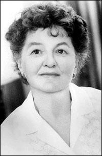 Travers, Pamela Lyndon  portréja